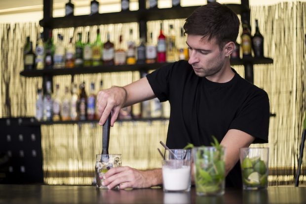Learn how to make the perfect cocktail at Tapas Ibiza