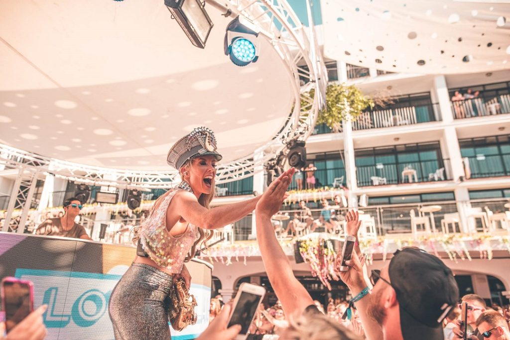 Lovely Laura & Ben Santiago Ibiza Rocks 2018