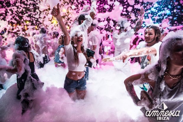 Espuma Foam Party Amnesia Ibiza