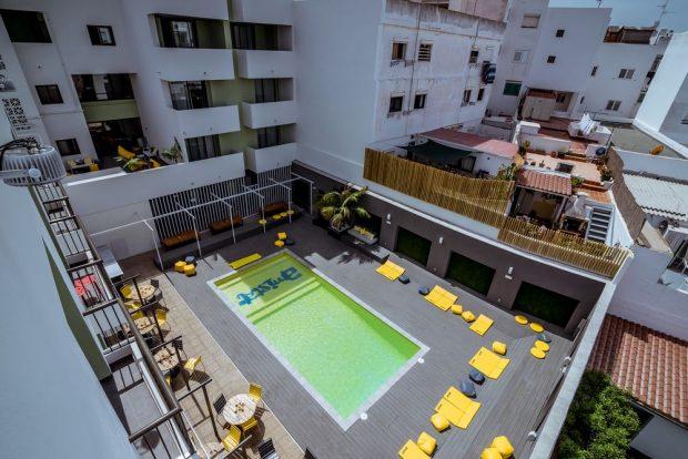 The pool area at Amistat Hostel IbizaThe pool are at Amistat Hostel Ibiza