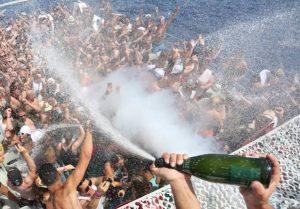 Cirque De La Nuit Boat Party Playa d'en Bossa Ibiza